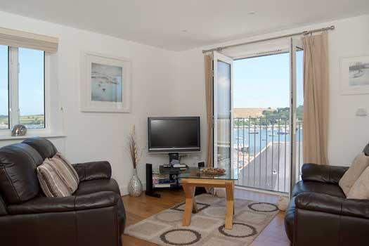 Lounge with quadruple aspect Sea Views - Harbour View - Falmouth, Cornwall,UK - ( Sleeps 4) - Falmouth - rentals
