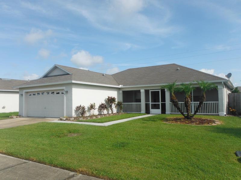3 Bedroom villa with Private Pool. - Pet-Friendly 3 Bedroom Villa with Pool - Kissimmee - rentals