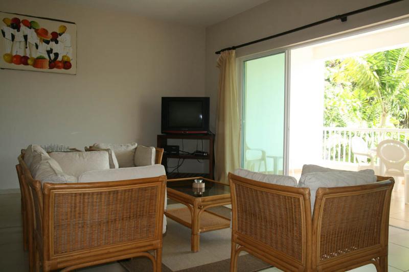 living room - 2bdr condo in a quiet area 50 m from the beach - Cabarete - rentals