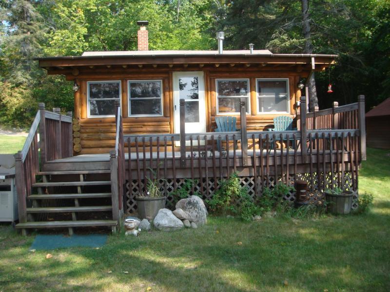 The Painted Turtle - Turtle Lake Vintage Log Cabins  The Painted Turtle - Bigfork - rentals
