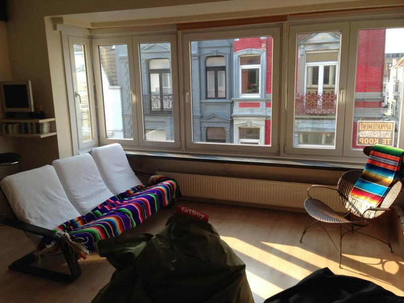 livingroom - Sunny apartment 80m2 in Belle Epoque Quarter - Ostende - rentals