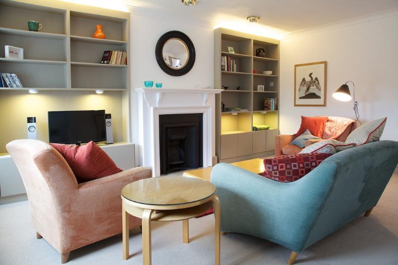 Living Room - Collingham Gardens, Gloucester Road. - London - rentals