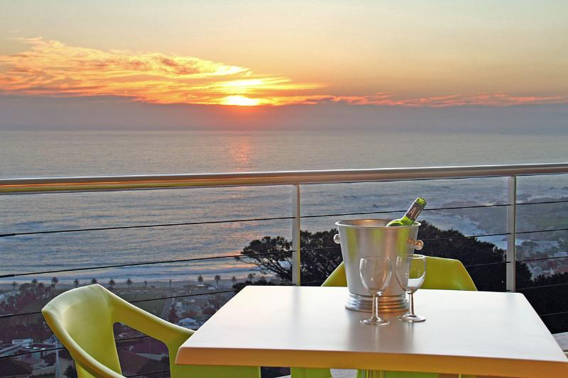 Prima Penthouse, 2 Bedroom, Camps Bay - Image 1 - Cape Town - rentals