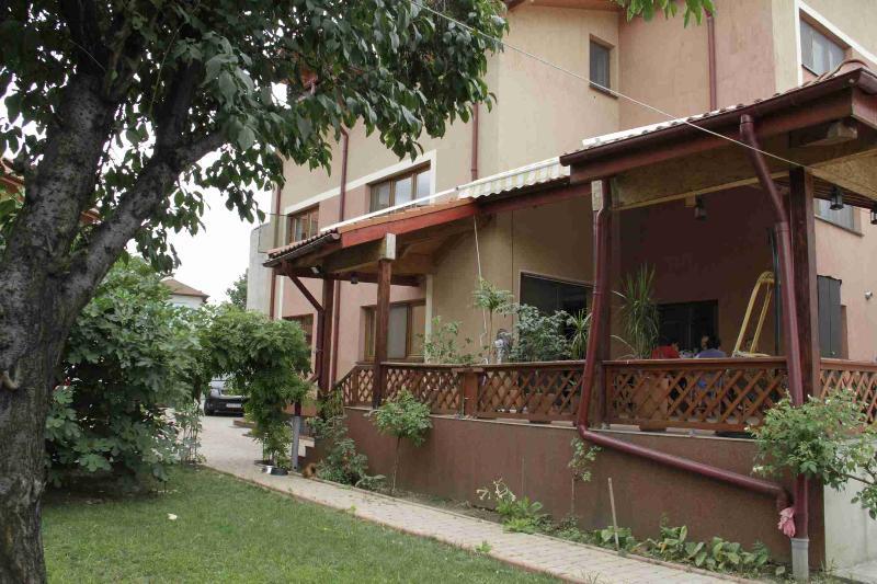 Villa Zorba Bucharest - Image 1 - Bucharest - rentals