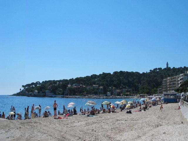 Our beach, Plage de la Salis - Beachside apt at the start of the Cap d'Antibes - Antibes - rentals