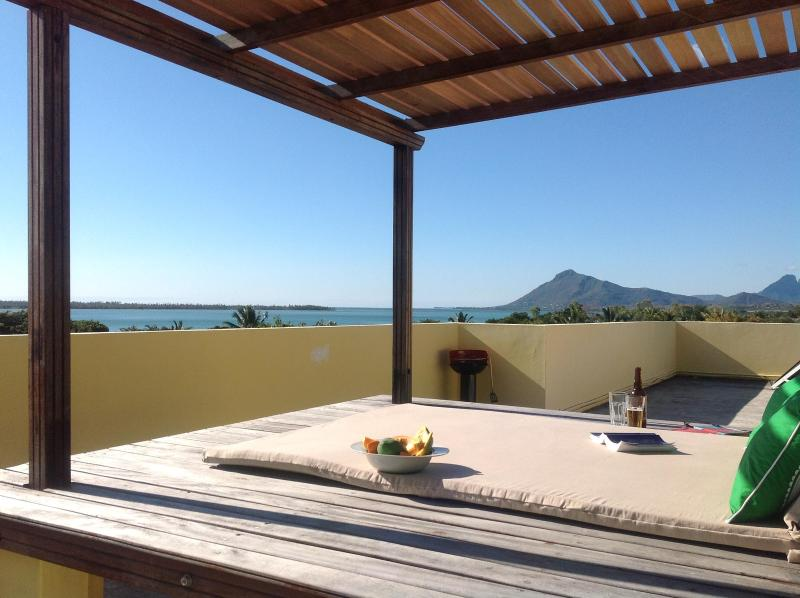Shared access to the stunning roof terrace on top of Beautique studios - UNESCO Romantic Ocean & Mountains Views, Beautique - Tamarin - rentals