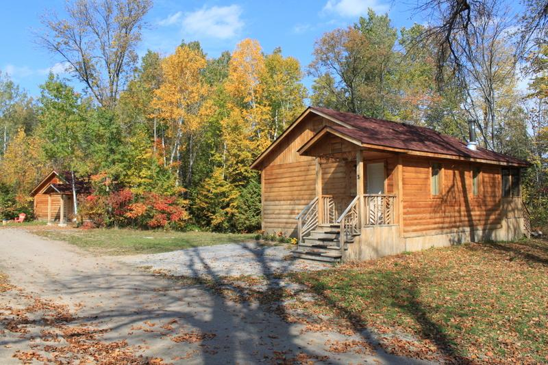 Cottage in the fall. - Comfort on the lake. - Killaloe - rentals