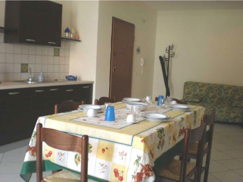 Living room with kitchenette and Sofa Bed - Case Vacanza Alega Mare - 2 bedrooms apartment - Nizza di Sicilia - rentals