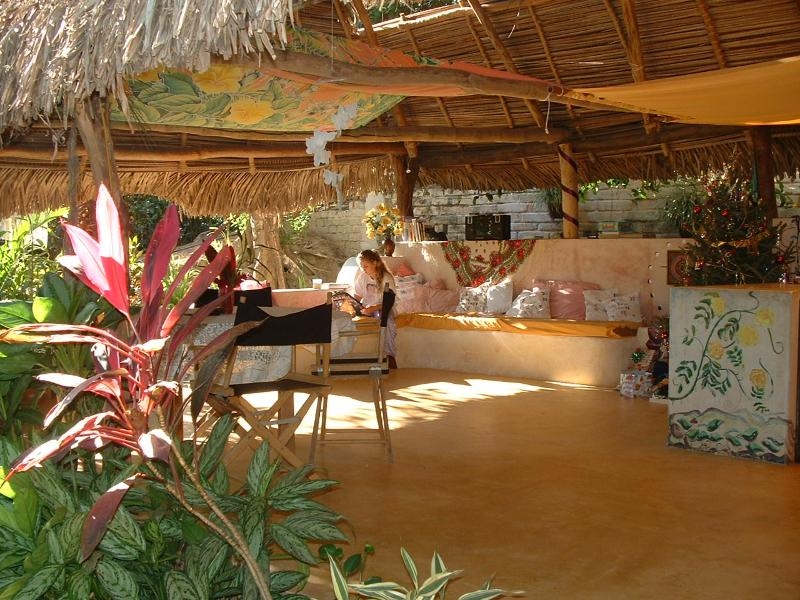 Spacious Living Room/Kitchen - Tranquil Hideaway Above the Bay - World - rentals