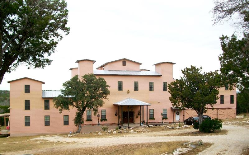 Estate on private acreage. - Baronial Hill Country River Estate - Pipe Creek - rentals
