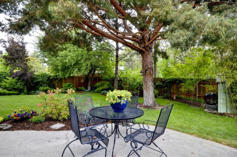 Wonderful back yard & patio - Boise's Gem, a Quiet Retreat Next to Downtown/BSU - Boise - rentals