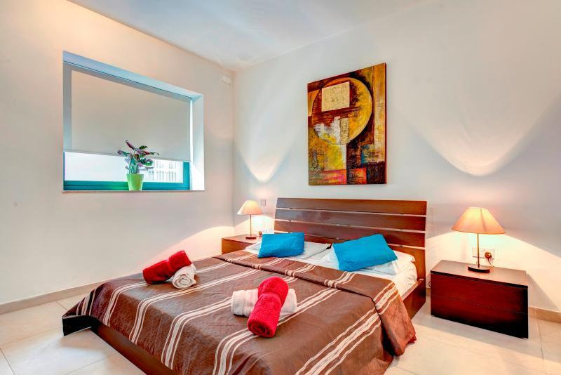 Stylish Sliema 1-bedroom Apartment - Image 1 - Sliema - rentals