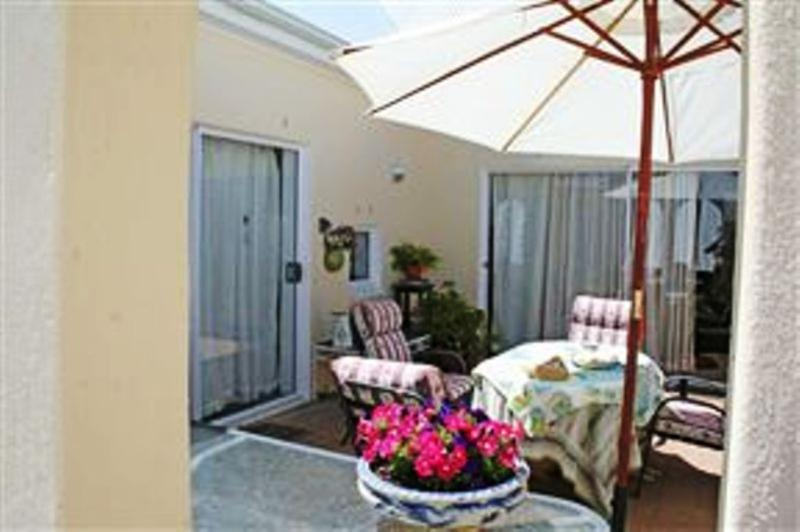 Entertainment area - Lorraine Cottages, Bed and Breakfast - Stellenbosch - rentals