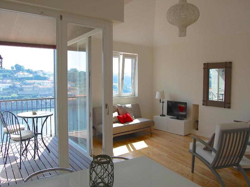 TOP FLAT - 1 bedroom Apt + Terrace + River View - Image 1 - Porto - rentals
