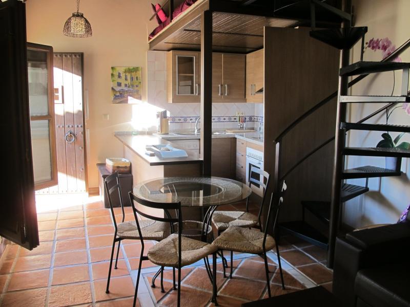 Preciosa casa en el Albaicín. Garaje opcional - Image 1 - Granada - rentals