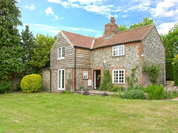 LITTLE FLINT detached, open fire, near to fishing ponds Ref. 25557 - Image 1 - Little Fransham - rentals
