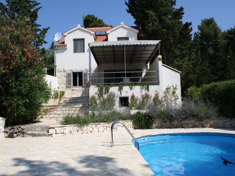 The villa - Seafront Villa with Swimming Pool - Bol - rentals