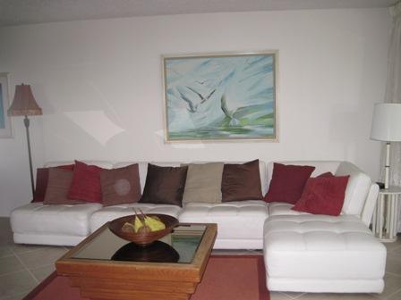 Living Room - Gulfside Small Garden Unit N - Sarasota - rentals