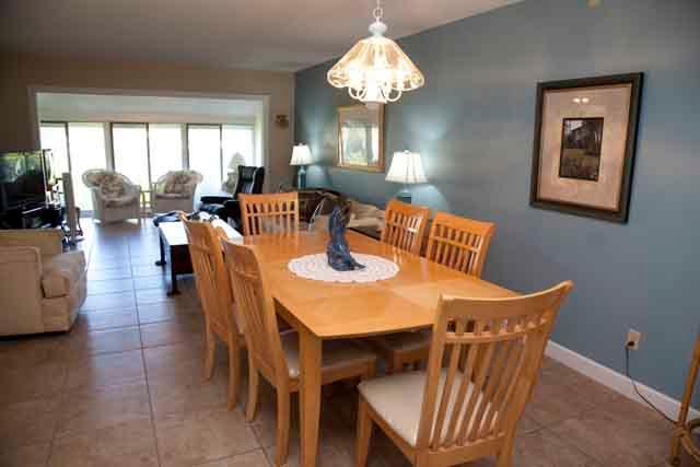 Dining Area - Gulfside Small Garden Unit W - Sarasota - rentals