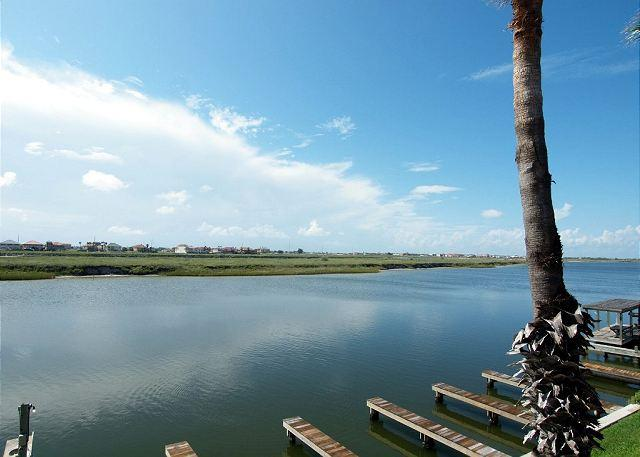 Lake Padre - Enjoy great Fishing off your back porch while being just steps off the Beach! - Corpus Christi - rentals