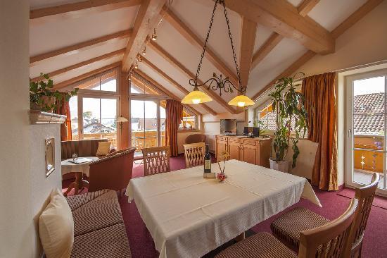 LLAG Luxury Vacation Apartment in Schwangau - 8342 sqft, comfortable, exclusive, central (# 4150) #4150 - LLAG Luxury Vacation Apartment in Schwangau - 8342 sqft, comfortable, exclusive, central (# 4150) - Schwangau - rentals
