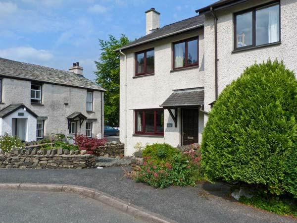 4 LOW HOUSE COTTAGES, lovely views, open fire, fantastic central location in Coniston, Ref. 25669 - Image 1 - Coniston - rentals
