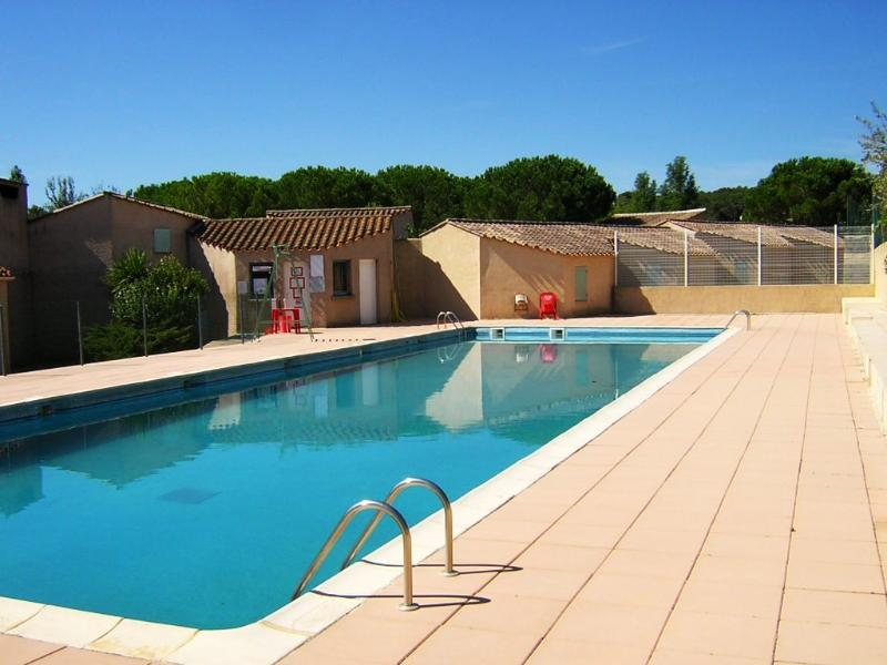 Communal Pool - Holiday home South of France - Creissan - rentals