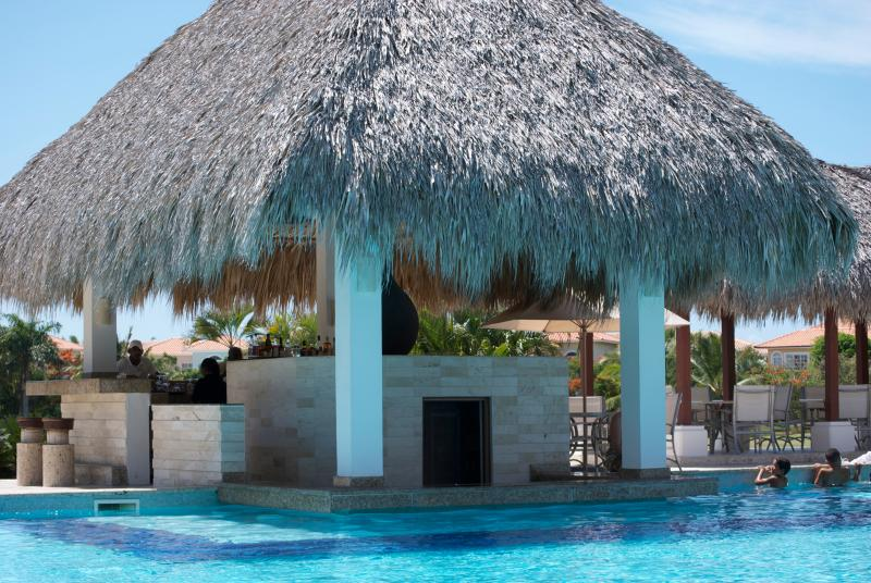 Bar by golf club pool - Golf Suite Paradise - Bavaro - rentals