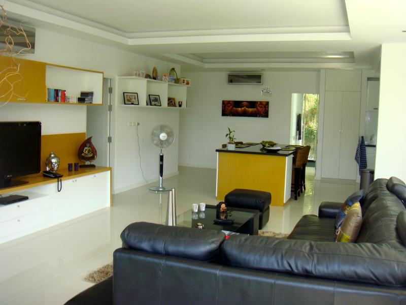 Living - 2 bedroom Condo in Phuket - Kamala - rentals