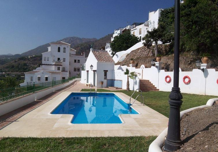 Swimming Pool, Changing facilities & Apartments - Luxury Apartment With Swimming Pool - Frigiliana - rentals