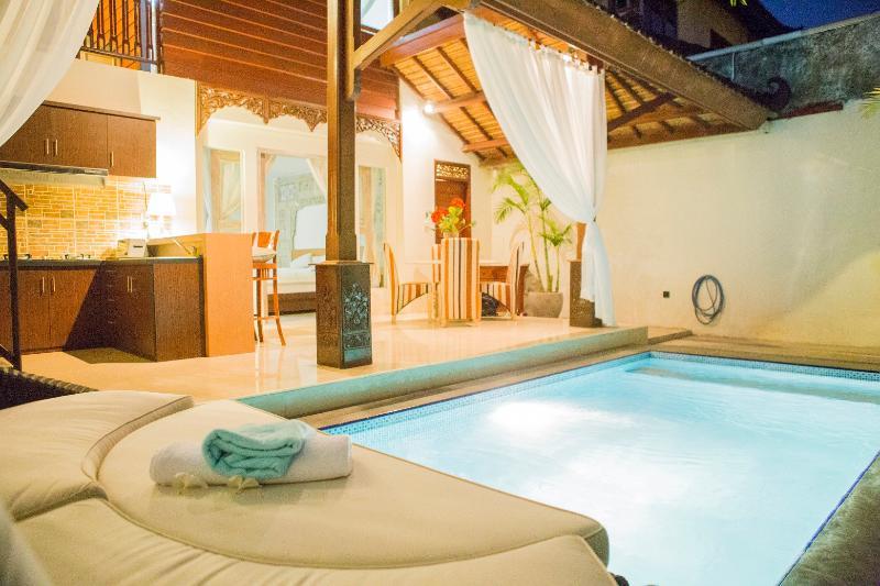 Villa Capri 88 , Luxury 2 Bed in Oberio, Seminyak - Image 1 - Seminyak - rentals