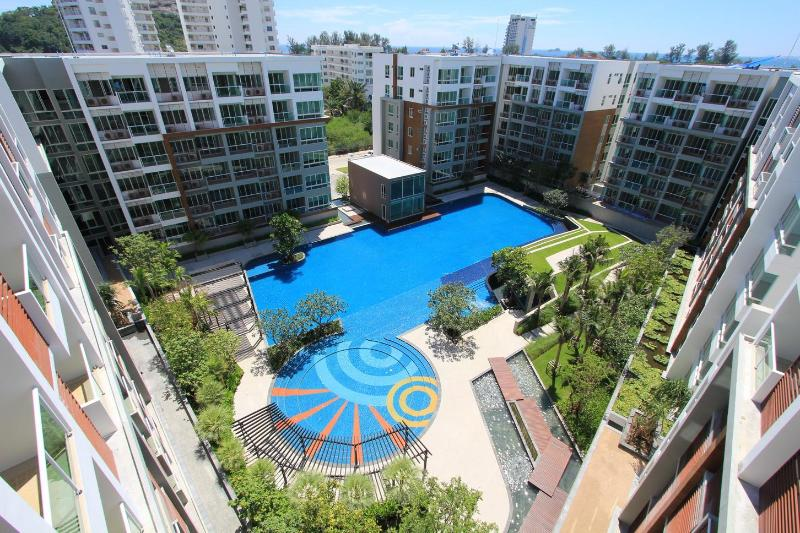 The Seacraze complex,can see ocean in back ground - Seacraze,New 5 star condo near beach,Hua Hin - Hua Hin - rentals