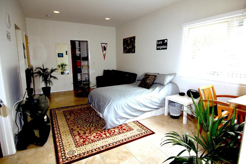 Welcome to the beautiful Hollywood Hills Studio!! - Best Deal in the Hills! High End Studio - Los Angeles - rentals