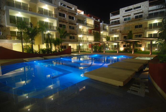 3 BEDROOM TOWN CONDO  THE BEST PRICE - Image 1 - Playa del Carmen - rentals