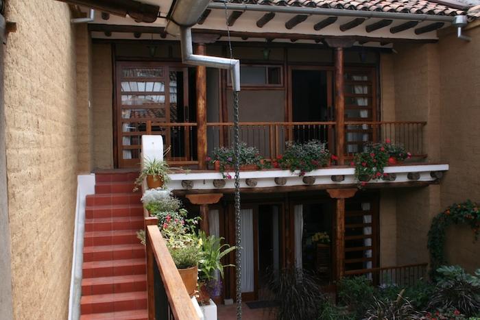 The Llama studio has a flowered balcony - Studio with bedroom loft, historic Cuenca - Cuenca - rentals