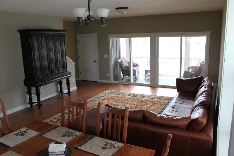 Living Room - Waterfront 10 Day Rental near Starved Rock - Ottawa - rentals