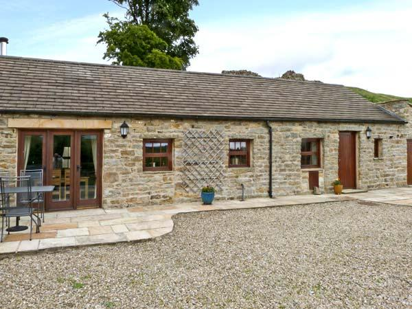 PADLEY BARN, detached stone barn conversion, underfloor heating, woodburner, near Reeth, Ref 20841 - Image 1 - Reeth - rentals