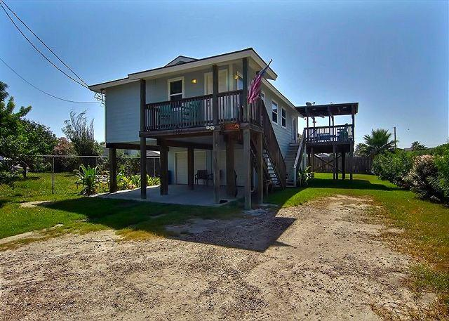 Welcome to Butches Place! - Wonderful 2 bedroom 2 bath home with room to bring your boat! - Port Aransas - rentals