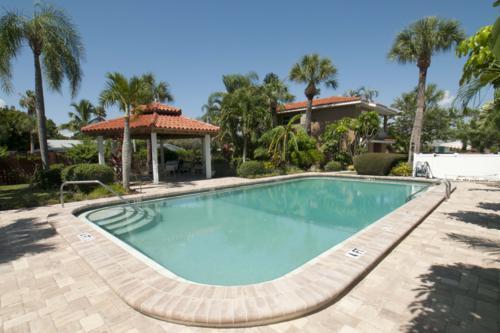 Pool 1 - CASA SIERRA 203B - Holmes Beach - rentals