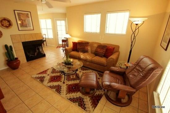 Large Living Room with Flat Screen TV and Cable - One Bedroom Condo at Canyon View with Excellent Views of the Catalina Mountains! - Tucson - rentals
