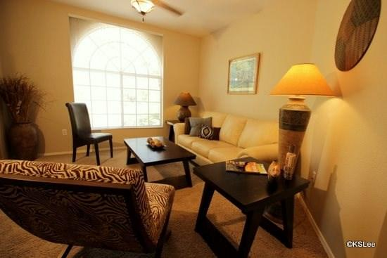 Living room with views - Pet Friendly! Quiet and Spacious One Bedroom Condo at Boulder Canyon in Oro Valley - Oro Valley - rentals
