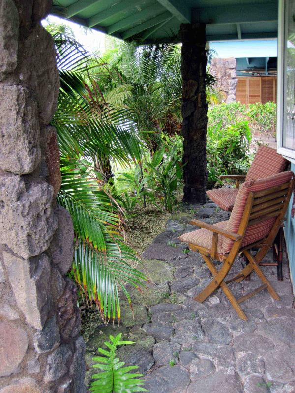Front Garden - Beautiful Fully Furnished 2 BR/2BA Kailua Home in Garden Setting - Kailua - rentals