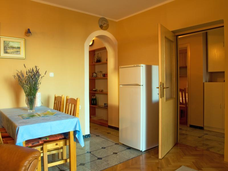 "Living room: entrance to the kitchen - Apartment ""Sasha"" (4. persons) - Mali Losinj - rentals"
