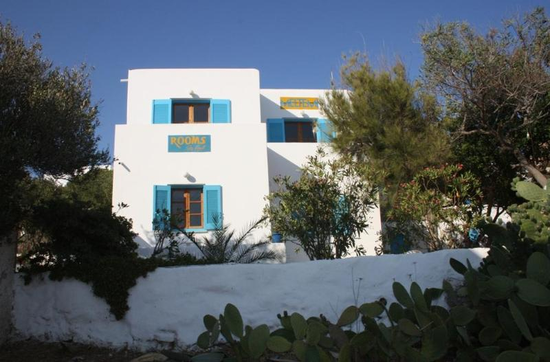 Meltemi 4 persons apartment - Image 1 - Paros - rentals
