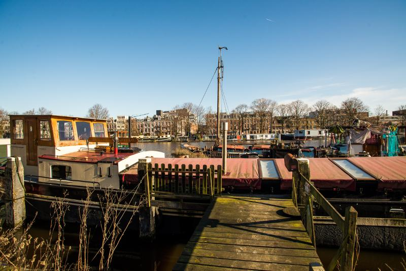 Spacious Amsterdam Holiday Houseboat - Image 1 - Amsterdam - rentals