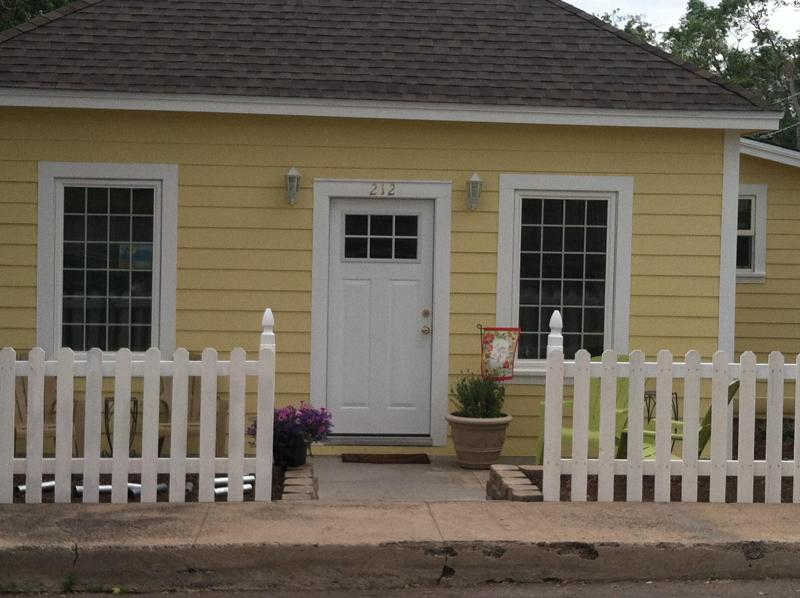 downtown cottage - Downtown Cottage - Williams - rentals