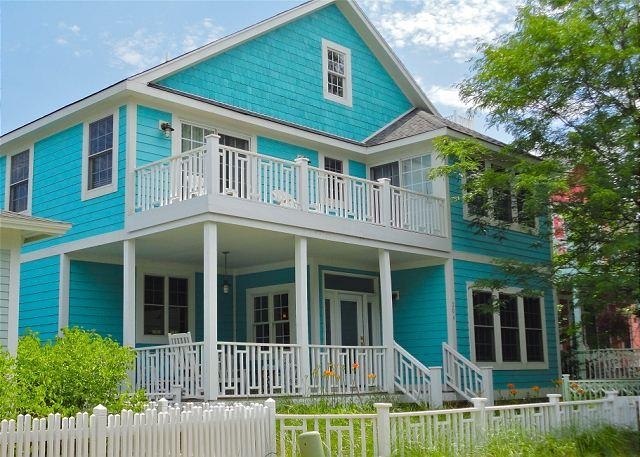 Front of House - Moondance--Open Concept Home off Lake Michigan - Michigan City - rentals