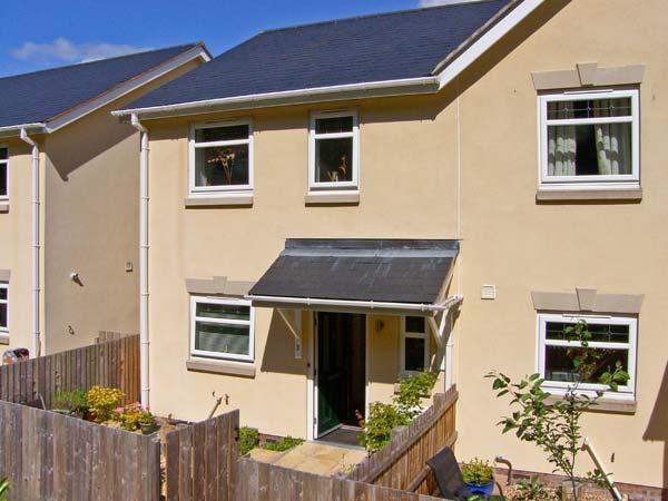 3 TREM Y DOLYDD, semi-detached townhouse, parking, enclosed garden, in Llanrwst, Ref. 11642 - Image 1 - Llanrwst - rentals