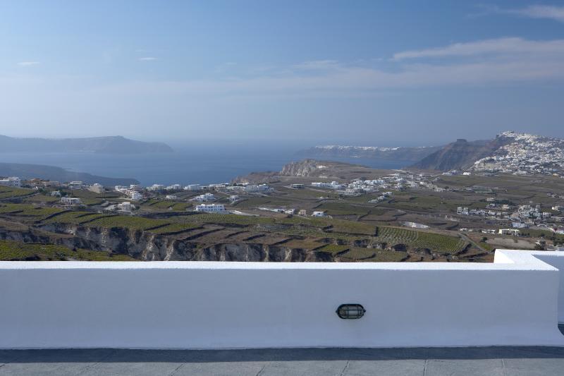 Villa Rental in Aegean Islands, Pyrgos - Villa Pyrgos - Image 1 - Fira - rentals
