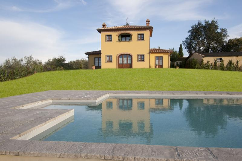 Villa with Pool Near Cortona in the Valdichiana - Villa Etrusca - Image 1 - Foiano Della Chiana - rentals